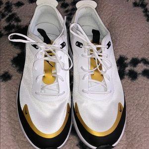 Nike Air Max Dia size 7.5 women